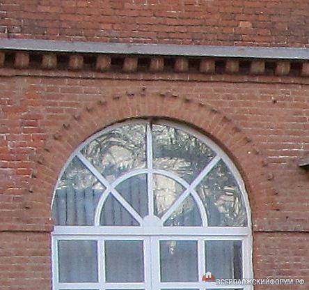 кто там в окне?